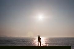 未來,我會在岸上憶著過往的努力,望著美好的未來。 (Old Soul Tai) Tags: minolta x700 mc wrokkorhh 35mm 118 fujicolor superia xtra 400 expired 32015