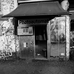 photoautomat (rudeskull) Tags: kottbusertor photoautomat schwarzweis sw street berlin westberlin nikon