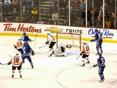 Daniel Sedin goal - Vancouver Canucks vs. Philadelphia Flyers (FFWoodycooks) Tags: nhl hockey henrik sedin alex burrows christan ehrhoff michael richards claude giroux