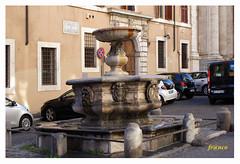 Fontana (fr@nco ... 'ntraficatu friscu! (=indaffarato)) Tags: italia italy lazio roma rome fontana piazza
