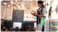 (ben oït) Tags: teacher maîtresse professeure classroom salledeclasse école school