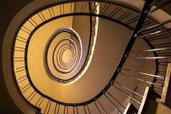 In the cobweb (Elbmaedchen) Tags: staircase treppenhaus escaliers hamburg detjenhaus roundandround upstairs interior kontorhaus