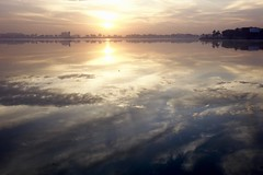 Tank Bund - At Dawn 01 (Rajesh_India) Tags: hussainsagarlake hyderabad india lake reflection sunrise tankbund