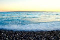 Blurry Waves (NataliaZapata) Tags: sea nice côtedazur mediterranean beach plage pebblebeach plagedegalets piedras atardecer sunset largaexposición mer waves azul blue bleu