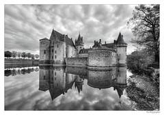 Sully-sur-Loire (JG Photographies) Tags: sullysurloire france french cher château noiretblanc nb jgphotographies canon7dmarkii
