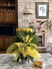 Home - Birthday flowers 💐 (gloria.sanagustin) Tags: chimney iphone home present flowers