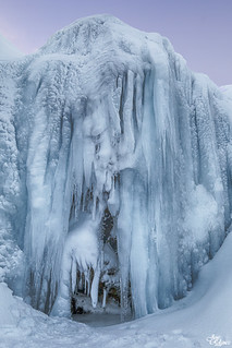 Cascada congelada de Kirkjufellsfoss - Islandia