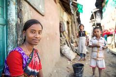 Kolkata - India (Miro May) Tags: india indien kolkata kalkutta colcatta slum street streetphotography woman children portrait people asia asien beauty culture colors colourful canon face girl