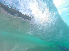 mini barrel (bluewavechris) Tags: maui hawaii makena ocean water sea wave surf play gopro knekt tube bodysurf