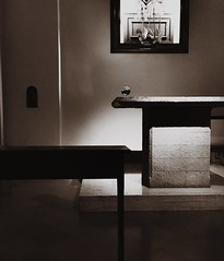 Una foto astratta . Assisi. (Emanuele Joshua Sottile) Tags: assisi church sabbia sabi blackandwhite bnw biancoenero bianco pic photooftheday myphoto2018 myfoto foto abstract astrattismo chiesa altare