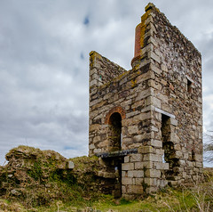 "26"" Whim Engine House, Wheal Uny (Rogpow) Tags: cornwall mine whealuny carnkie carnbrea redruth metalmine metalmining cornishmining cornishmines cornishminingworldheritagesite copper coppermine industrialhistory industrialarchaeology industrial industry ruin abandoned derelict decay disused dilapidated fujifilm fuji fujixt1 enginehouse whimenginehouse windingenginehouse greatflatlode stuny"