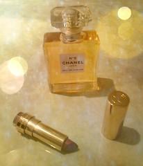 Feminine elegance (Babethaude) Tags: cosmetics lipstick makeup perfume elegance feminine
