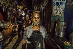 Gratitude is riches. Complaint is poverty (Clems999) Tags: varanasi india inde benares portrait street rue