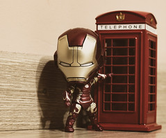 A Tony Stark call. The armor system communication is damaged (Lluvia Fotografia) Tags: ironman bokeh vintage toy toys nendoroid comic tales marvel bootleg tony stark telephone