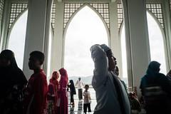* (Sakulchai Sikitikul) Tags: street snap streetphotography sony songkhla a7s voigtlander 28mm thailand hatyai masjid muslim islamic islam children
