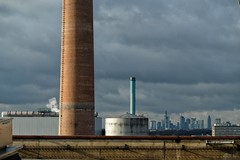 Industrie... (hobbit68) Tags: frankfurt am main schornstein industrie industriegebiet industry sky himmel wolken