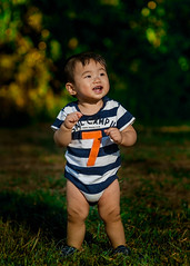 Stand up (familystrobist) Tags: nikon d40 zeiss 100mm f2 tiffen variable nd strobist portrait baby neewer v850ii yongnuo rf603