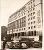 1937, il Palazzo Toro in piazza San Babila in via di completamento (Milàn l'era inscì) Tags: urbanfile milanl'erainscì milano milan oldpicture milanosparita vecchiefoto sanbabila