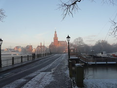 one morning in january (achatphoenix) Tags: drvombruchbrücke rathaus leer ostfriesland sunrise sonnenaufgang january winter morning