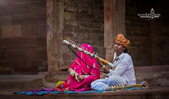Street entertainer (Albert Photo) Tags: entertainer street indiarajasthan asia asian mysterious people costume india musicalinstrument