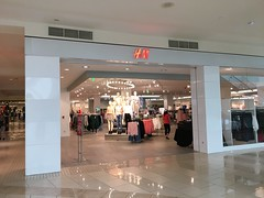 H&M Aventura Mall (Phillip Pessar) Tags: h m aventura mall retail store florida