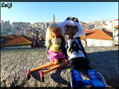 BJDs traveling (video) (Seiji-Univers) Tags: seiji seijiunivers vlog voyage travel day trip traveling porto portugal bjd balljointeddoll resin tan ebony dark cinnamon sun sky doll poupée dolly cute kawaii joy nympheasdolls artist french mroh oh nefer circus kane circuskane yosd siblings sister brother jelyn peyton joe alan roof top emo swag wall eyes cap city panorama overall view