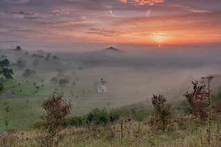 *Tal der Morgennebel II* *Valley of the morning mist II*