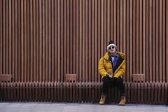 mustard (maotaola) Tags: eyecatcher blogdelfotógrafo inspiraciónbdf50 ruleofthirds geometriccomposition lines líneas mustardcolor yellow jacket sunnyyellow smileonsaturday stripedwall