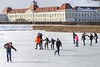 Winter fun / Winterspaß (berndkru) Tags: canoneos6dmarkii ef24105mmf4lisusm münchen munich nymphenburg kanal channel ice eis eislaufen iceskating winter spas fun