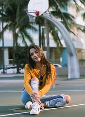 Meeting at the court II (sofiacgp15) Tags: light natural chill composition symmetry portrait urban contrast model ring basketball court