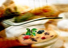 Frutas-del-bosque (iñaki preysler) Tags: gourmet foodphotography dessert mora frutosdelbosque frutos food advertising gastronomia