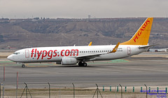TC-CPG LEMD 10-01-2018 (Burmarrad (Mark) Camenzuli Thank you for the 10.3) Tags: airline pegasus airlines aircraft boeing 73782r registration tccpg cn 40880 lemd 10012018