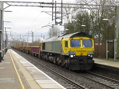 66420 on Crewe Bas Hall S.S.M. - Philips Park West Jn at Acton Bridge 17/02/2017 (37686) Tags: 66420 crewe bas hall ssm philips park west jn acton bridge 17022017
