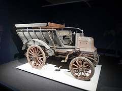 Daimler 6 hp two-cylinder shooting brake - 1897 (Ronald_H) Tags: louwman museum 2018 classic car daimler 1897 shooting brake