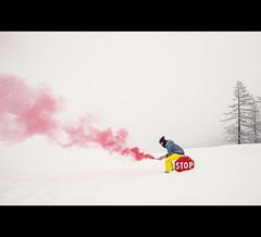 Help me (Photo-LB) Tags: arbre italie valléeaoste aosta neige fumigène couleurs ciel nikon nikon1835mm lumière blanc stop