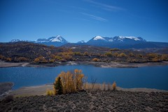Autumn Vista (The Good Brat) Tags: colorado us greenmountainreservoir yellow blue sky water trees