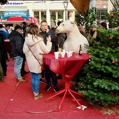 Polar bear (Michiel2005) Tags: kerstmarkt christmasmarket markt xmas nieuwerijn ijsbeer polarbear leiden nederland netherlands holland