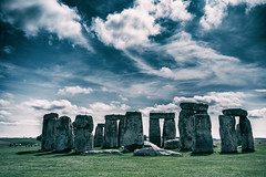 Stonehenge #1 (edelweisskoenig) Tags: britain england fuji fujinon reisen uk travel stonehenge wiltshire sky himmel clouds wolken serene landscape landschaft historic history geschichte historisch ancient amesbury stonecircle stone circle steinkreis stein kreis neolithic neolithisch prehistoric prähistorisch monument unesco heritage erbe kultur eh fujifilm fujifilmxpro1 xpro1 23mm 23mmf2 xf23mmf2rwr xf23 xf23mmf2 fujinonxf23mmf2rwr dramatic drama dramatisch