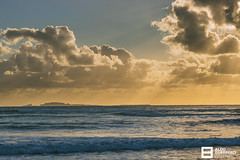 Atardecer en la pequeña Ensenada (Aldo Guerrero) Tags: ensenada méxico sunset atardecer yellow tourist travel travelphotography traveller travels nature port island sea ocean clouds backlighting backlight water