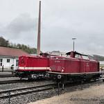 Diesellokomotiven 112 565-7 ex Deutsche Reichsbahn & 212 007-9 ex Deutsche Bundesbahn thumbnail