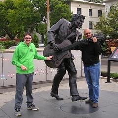 "Chuck Berry Statue (Vinny Gragg) Tags: •template ""roadsideattraction"" ""roadsideattractions"" ""roadsidestatue"" ""roadsidegiants"" ""roadsidestatues"" ""roadsideoddities"" statues statue ""roadsideart"" giants rock rockandroll music tunes band bands stlouismissouri missouri saintlouismissouri chuckberrystatue chuckberry rockandrollhalloffame rockrollhalloffame halloffame hof harryweber guitarist guitarguitars guitar guitars"