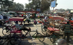 approaching chandni chowk (kexi) Tags: delhi india asia traffic street many people crowded bikes rikshaws chandnichowk samsung wb690 february 2017 instantfave