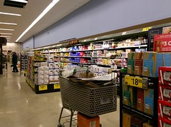 Left side wall, as seen from near the rear aisle (l_dawg2000) Tags: 2018remodel cordova delicatesen grocery grocerystore healthbeauty kroger labelscar marketplace meats memphis pharmacy produce remodel retail scriptdécor shelbycounty supermarket tennessee tn trinitycommons cordovamemphis unitedstates usa