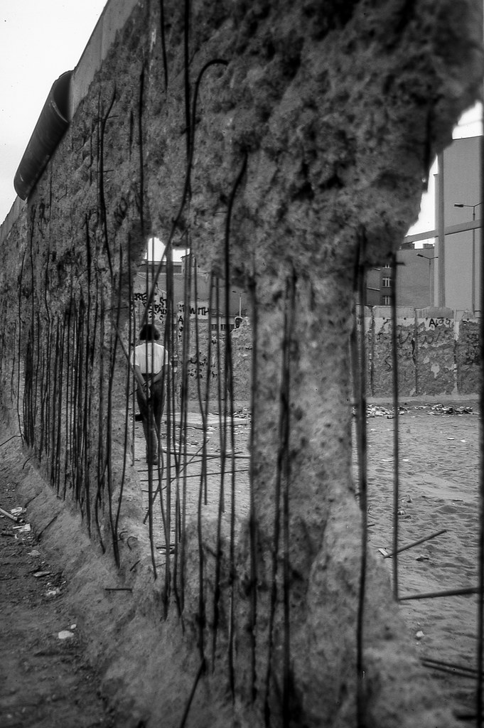 berlin wall research paper History of berlin wall in texts and photographs including facts, construction,   find free research paper samples at icjmtsymposiumorg.