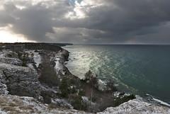 Södra Hällarna, Visby (arkland_swe) Tags: södrahällarna visby gotland klint sea hav moln cloud winter vinter snow snö