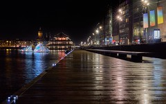 Oosterdok (zsnajorrah) Tags: urban urbanphotography citylights city bigcity citylife jetty water reflection architecture art lightart lightfestival night sky nightlights afterdark longexposure sirui canon 7dmarkii ef2470mmf4l netherlands amsterdam oosterdok amsterdamlightfestival alf