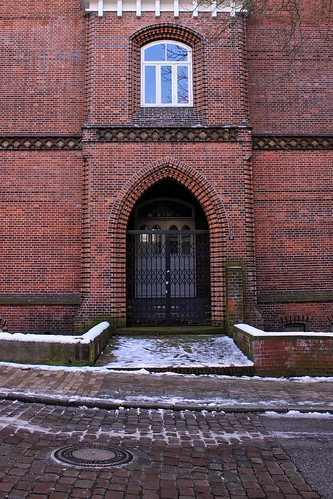 "Alte Muhliusschule, Kiel (04) • <a style=""font-size:0.8em;"" href=""http://www.flickr.com/photos/69570948@N04/39495701724/"" target=""_blank"">View on Flickr</a>"