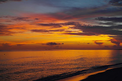 amanecer en punta cana (ampg69) Tags: dominicana amanecer caribe samsung playa beach dawn dominican nx paradise