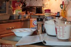 Preparation - HSoS (11Jewels) Tags: canon 50mm stilllife baking pumpkinloaves preparation