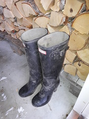 Dirty high heel hunters (jazka74) Tags: wellies rubber boots hunter high heel fulbroke dirty use fun trash